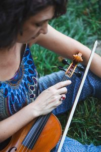 Manuela_violinista_portrait_FrancescaBandiera